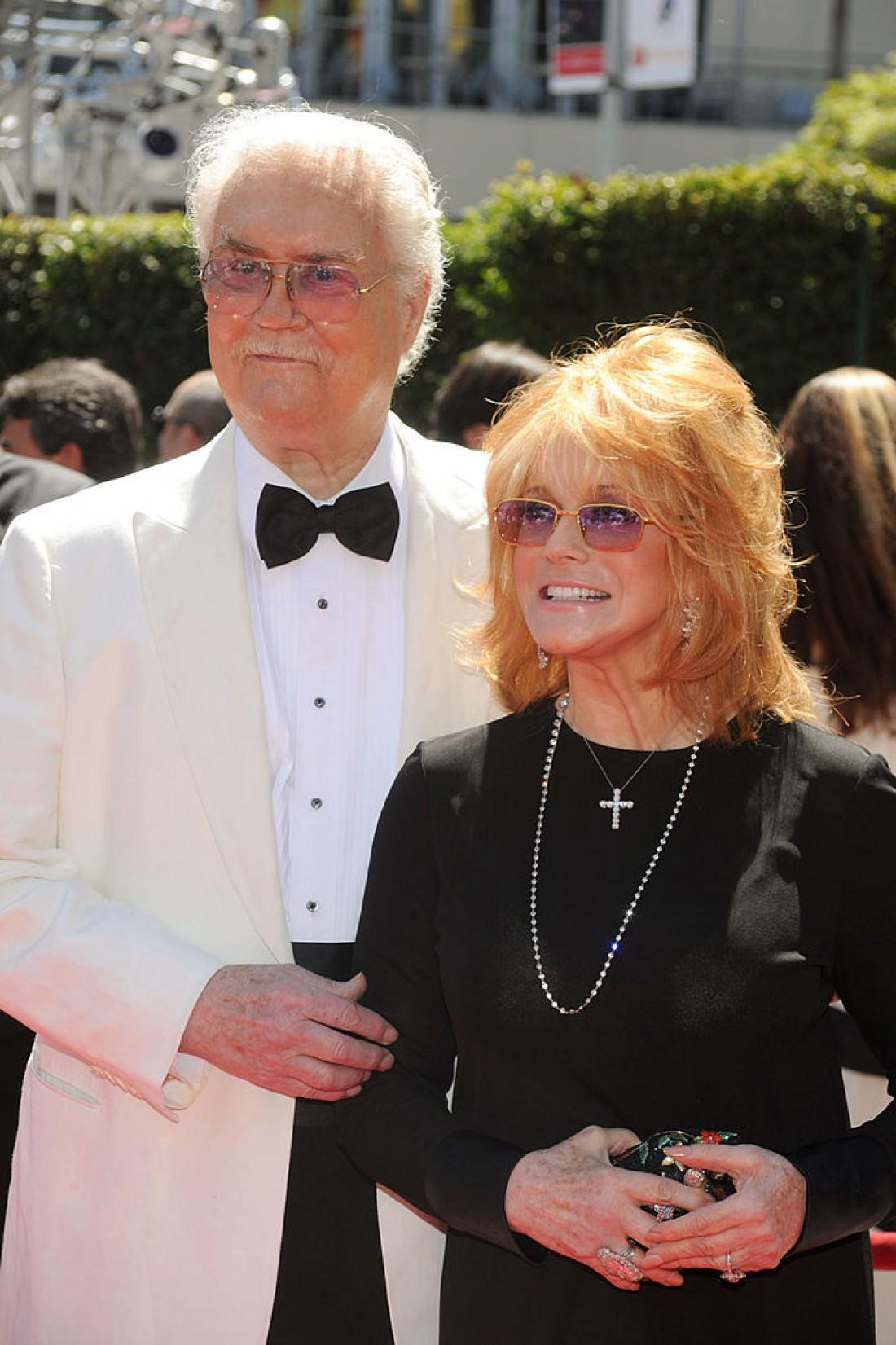 Роджер Смит с женой Энн-Маргрет Ульссон