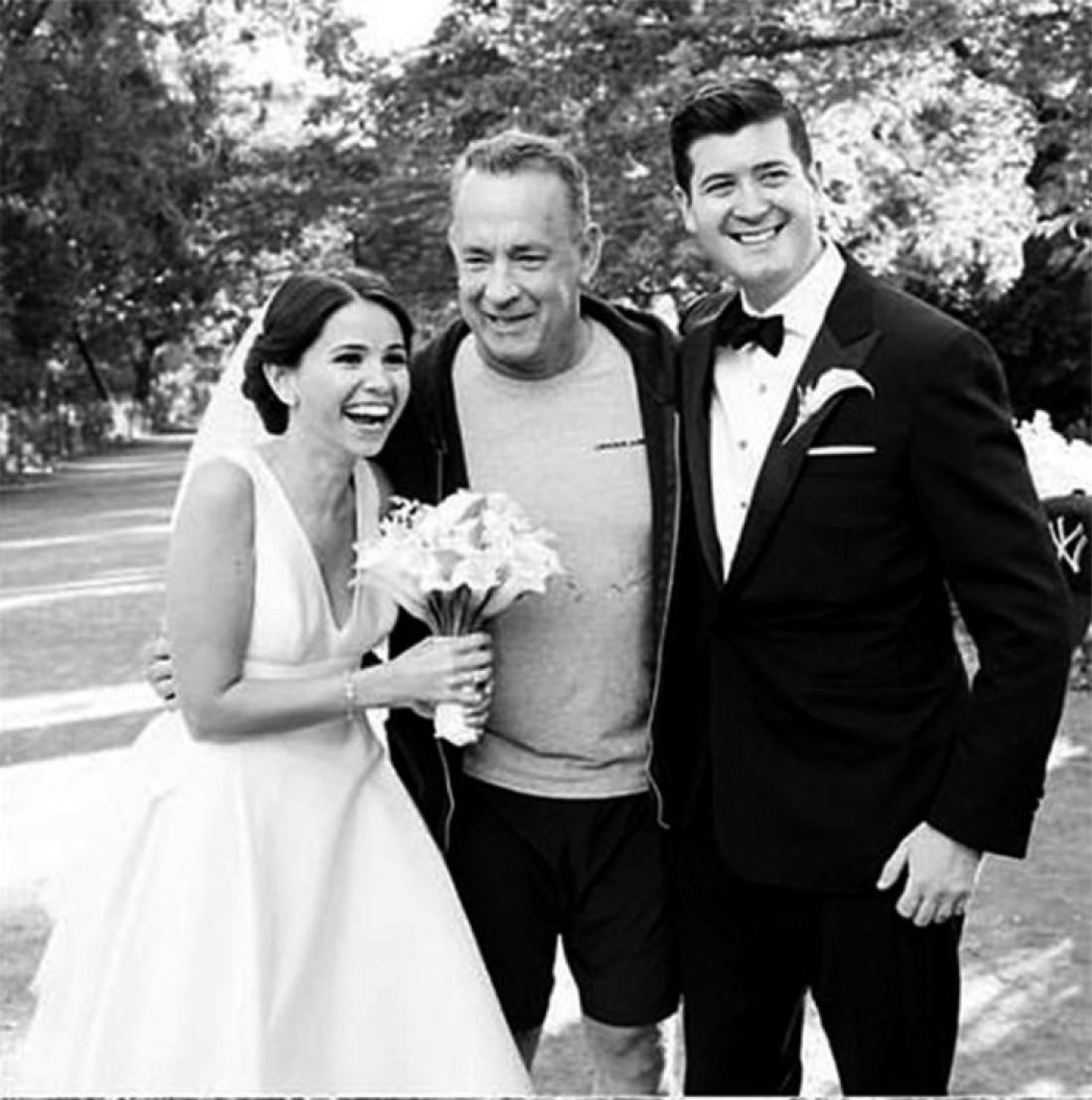 Том Хэнкс поздравил молодую пару