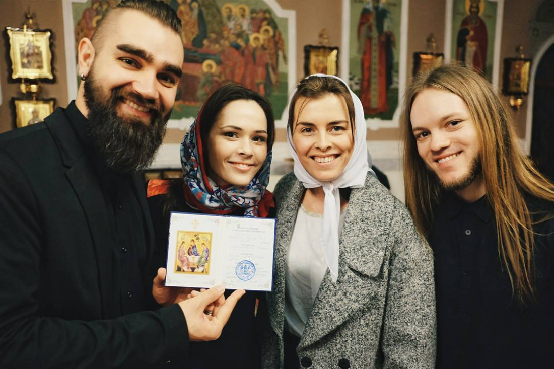 Валерий Бебко (слева), Юлия Санина (вторая слевая), Катя Царик и Роман Скоробагатько