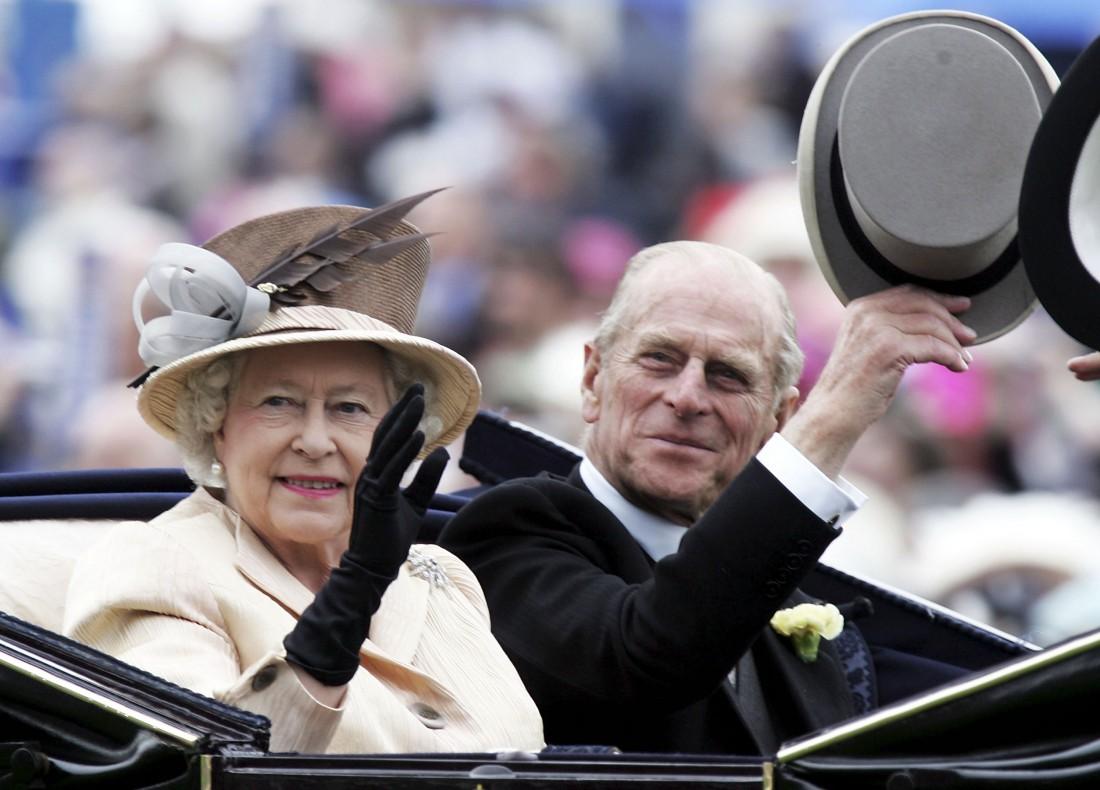 Елизавета II и принц Филипп в 2005 году