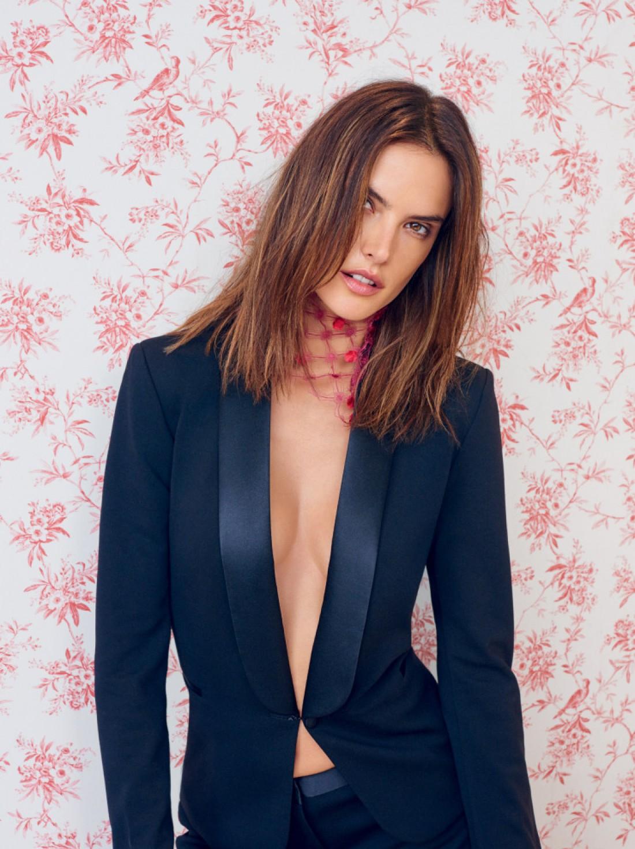 Алессандра Амбросио на страницах Vogue