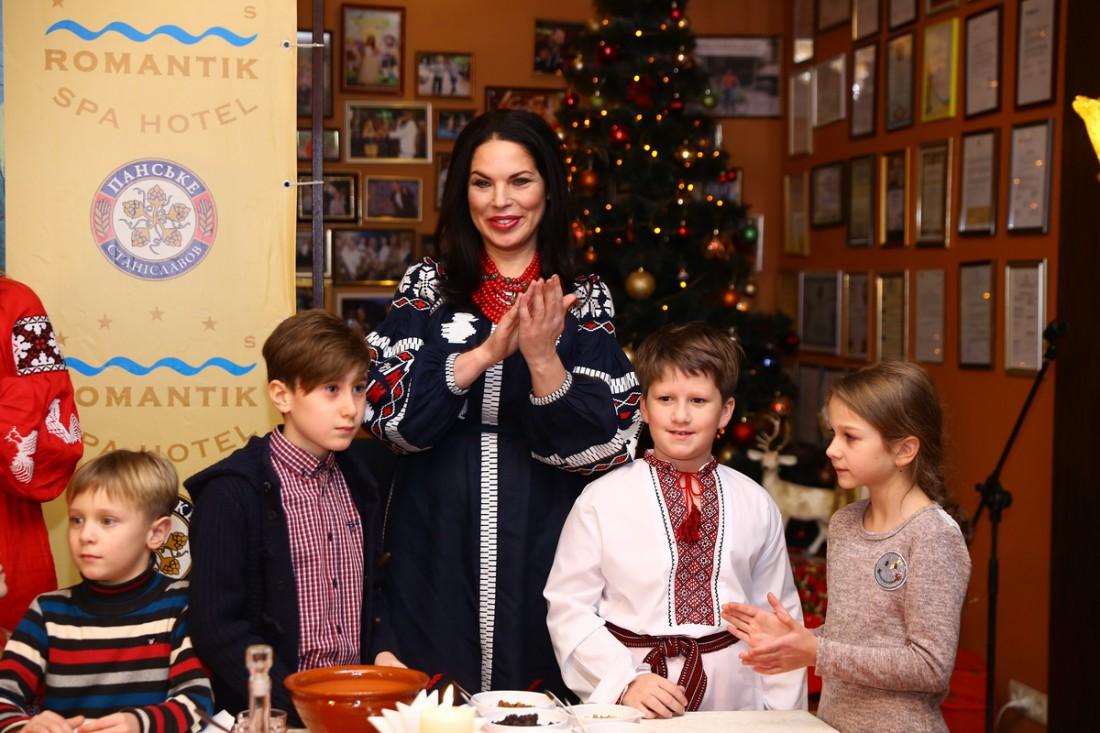 Влада Литовченко и ее маленькие помощники