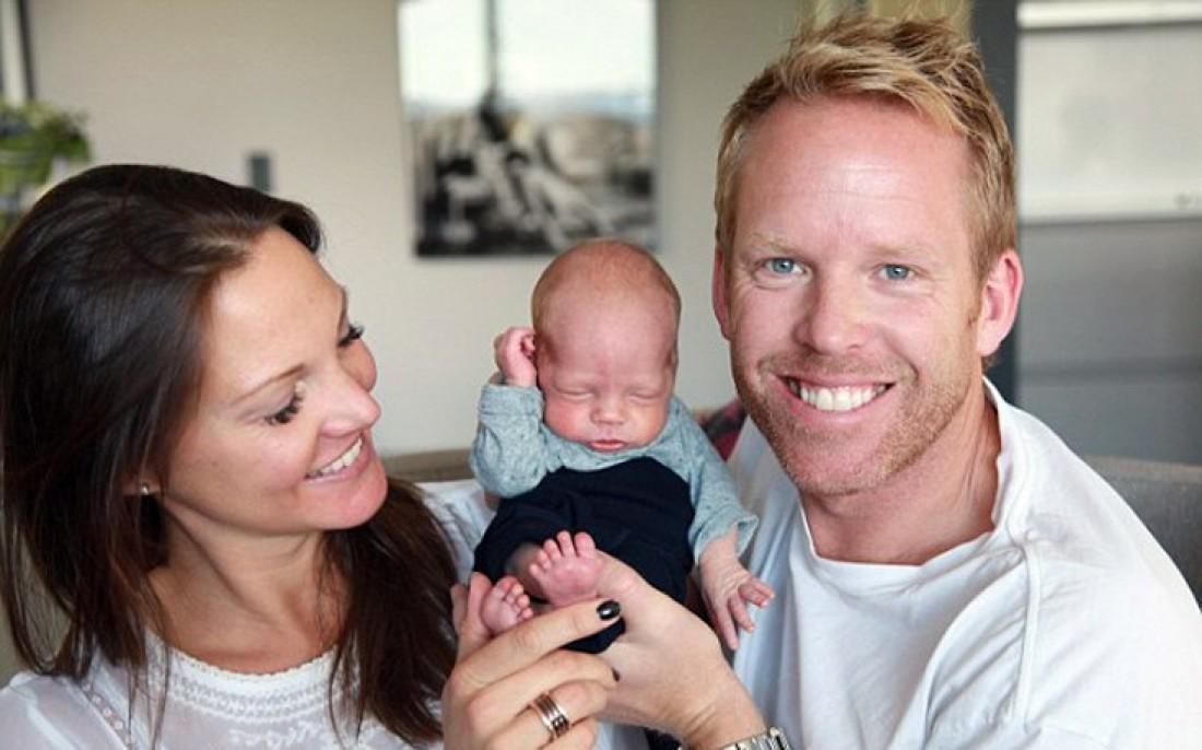 Малин Стенберг с супругом и новорожденным сыном