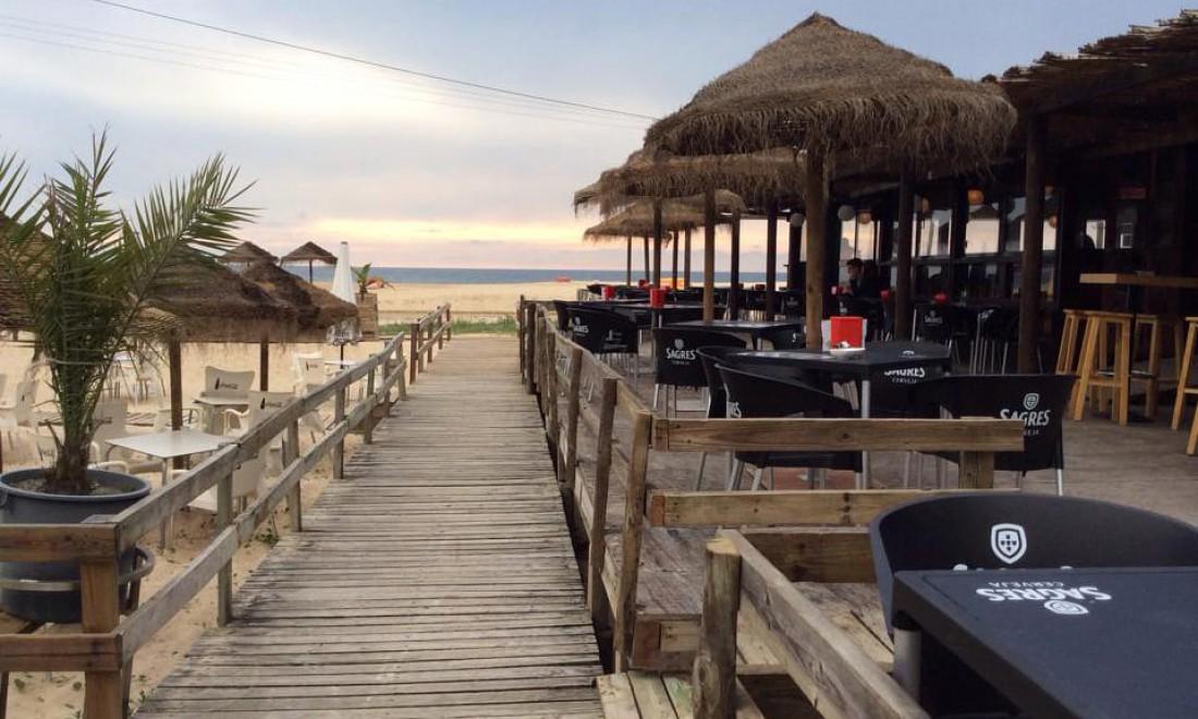 Old Beach Club Bar, Прайя-Велья, Сан-Педро-ду-Моэль