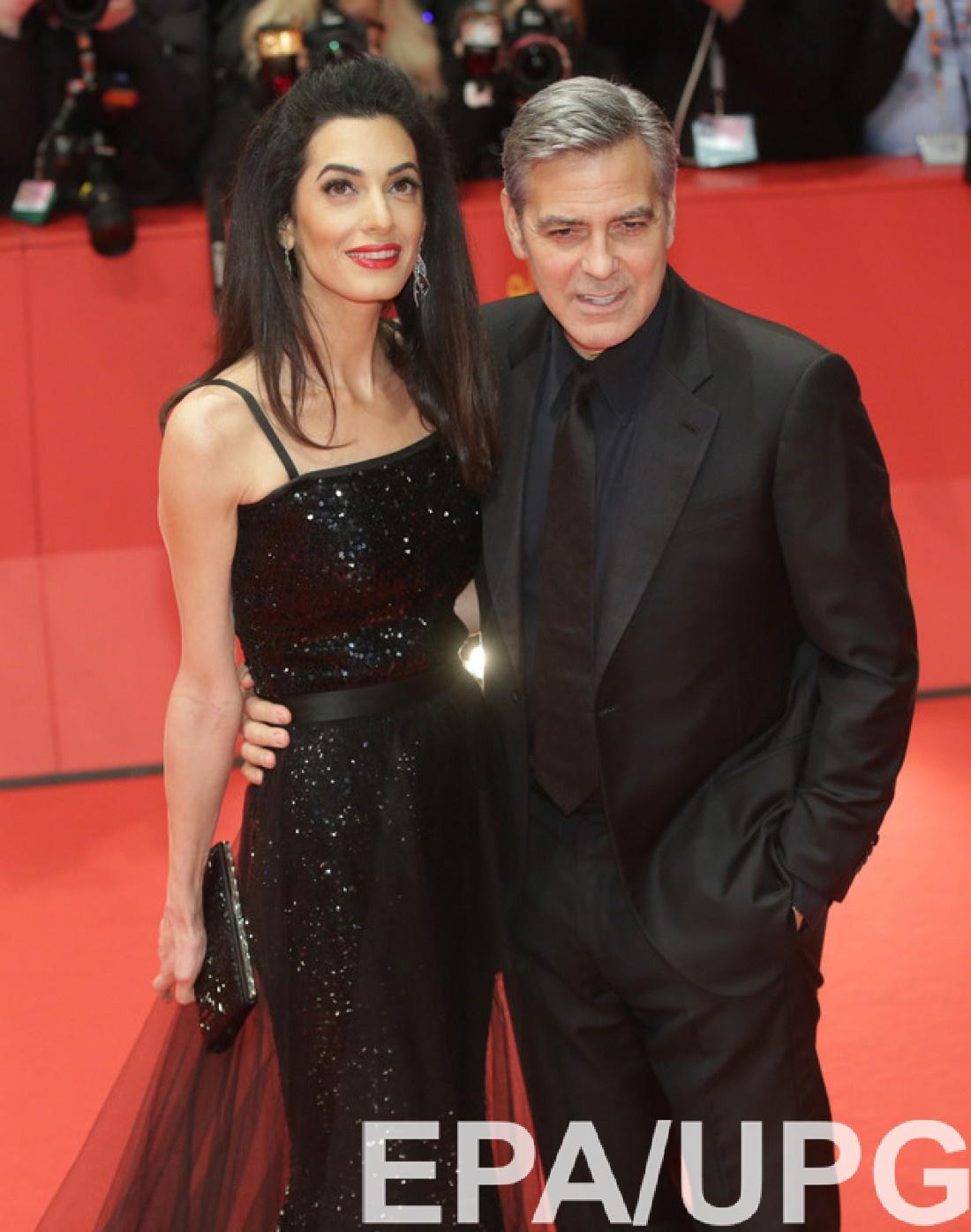 Супруги Клуни