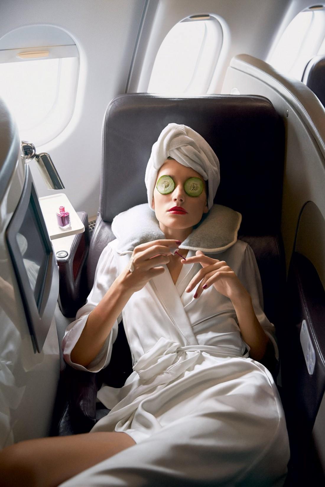 Тканевая маска – необходимая вещь в самолете