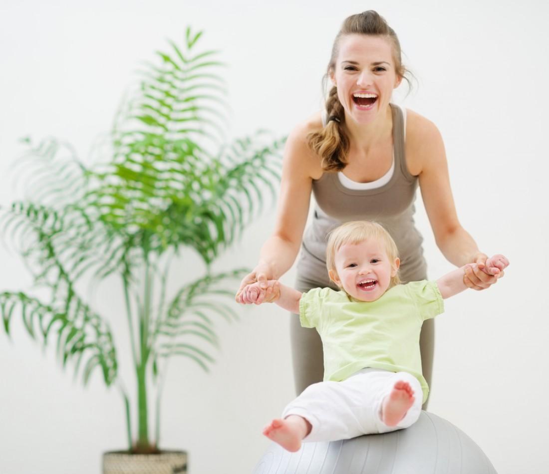 Веселая зарядка с ребенком