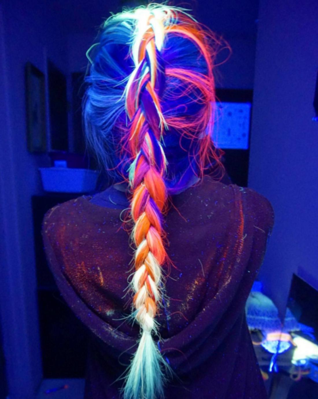 Волосы, светящиеся в темноте, стали самым