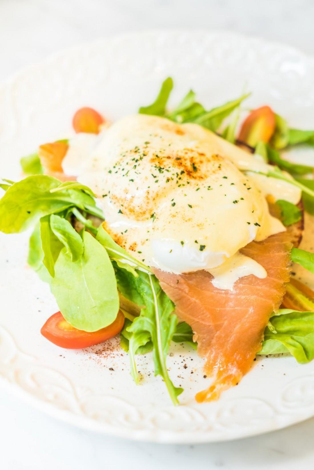 Яйца Роял готовятся с лососем