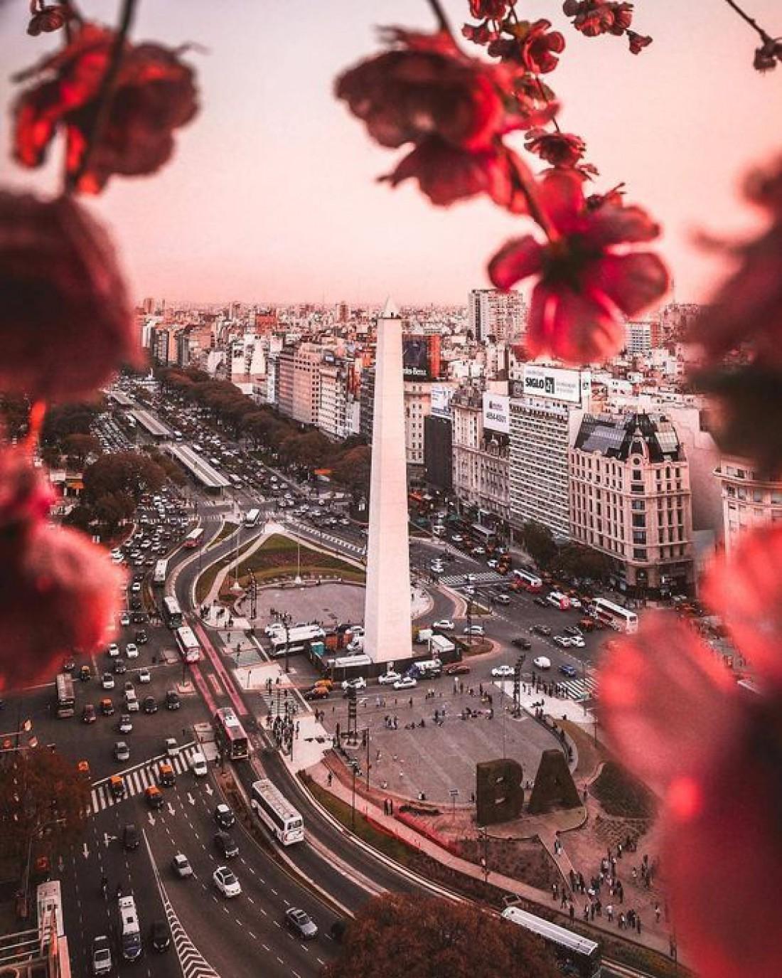 Огромный, шумный и яркий город не подготовленного туриста может сбить с ног своей бешеной энергетикой