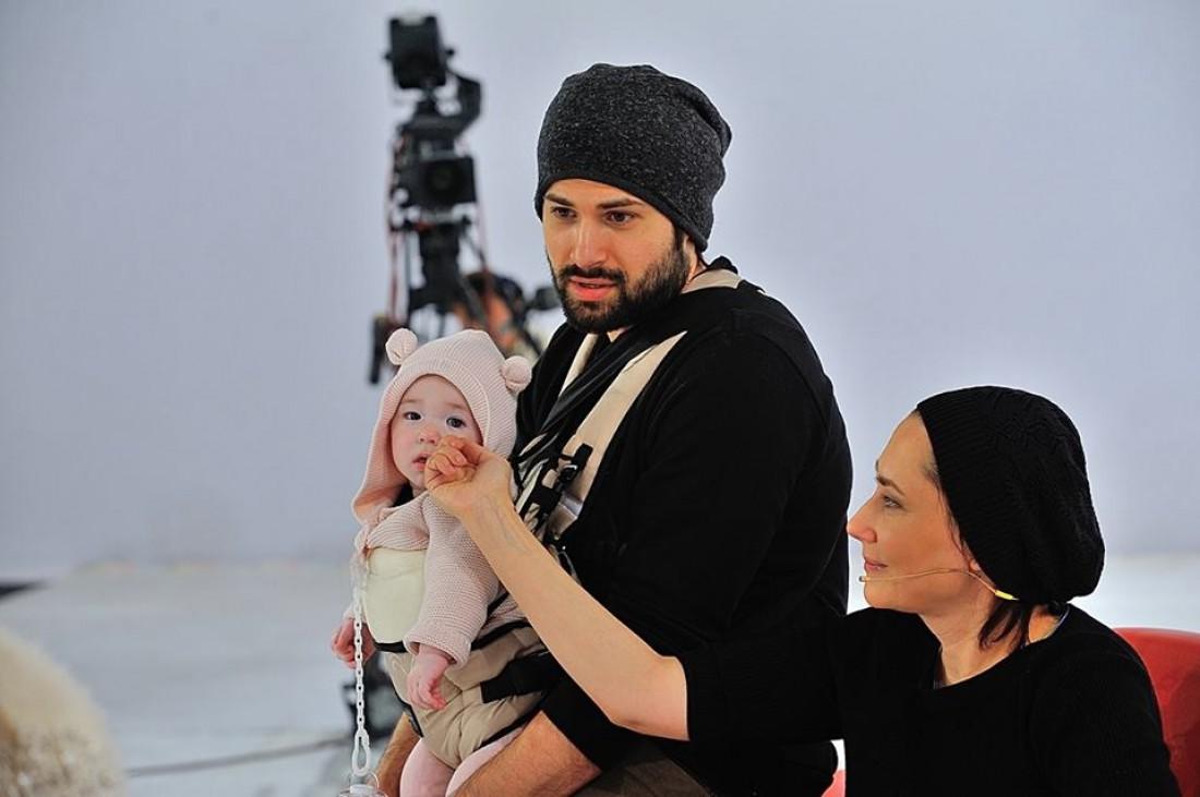 Алена Мозговая с Владимиром Ткаченко и дочерью