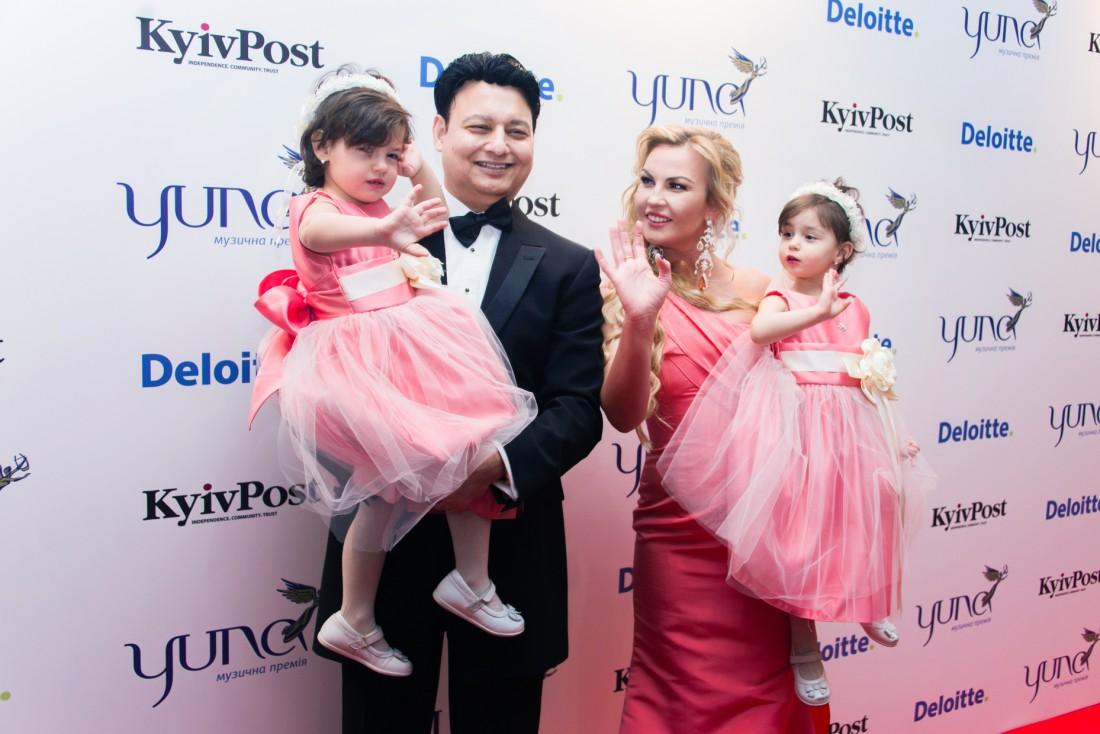 YUNA 2016: Камалия с мужем и дочками