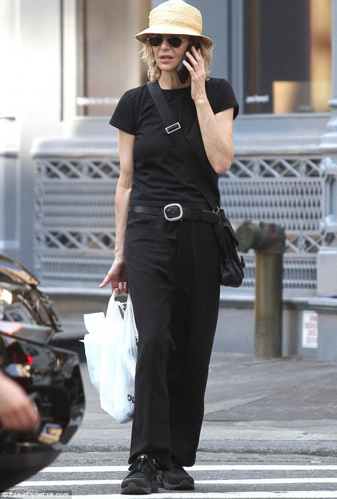Мег Райан во время шопинга в Нью-Йорке