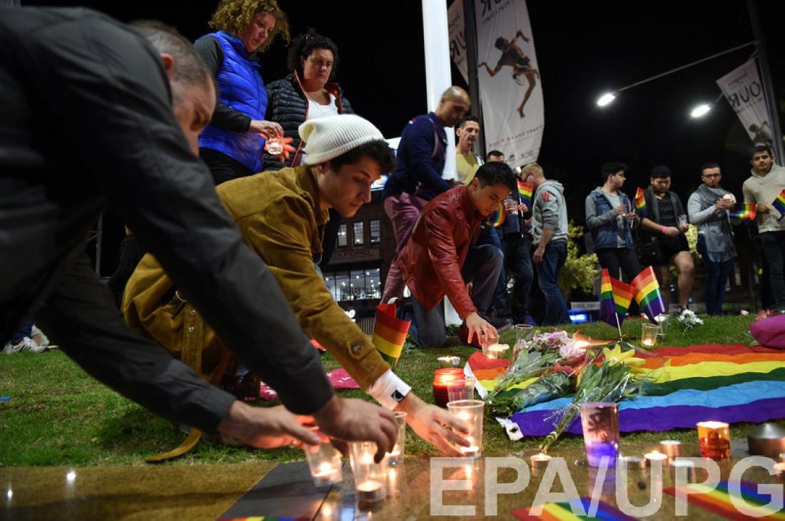 Мемориал жертвам теракта в Орландо