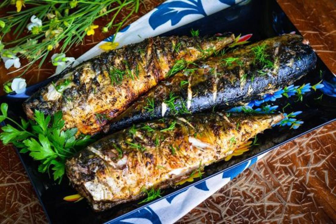Скумбрия на мангале: Оригинальный летний рецепт