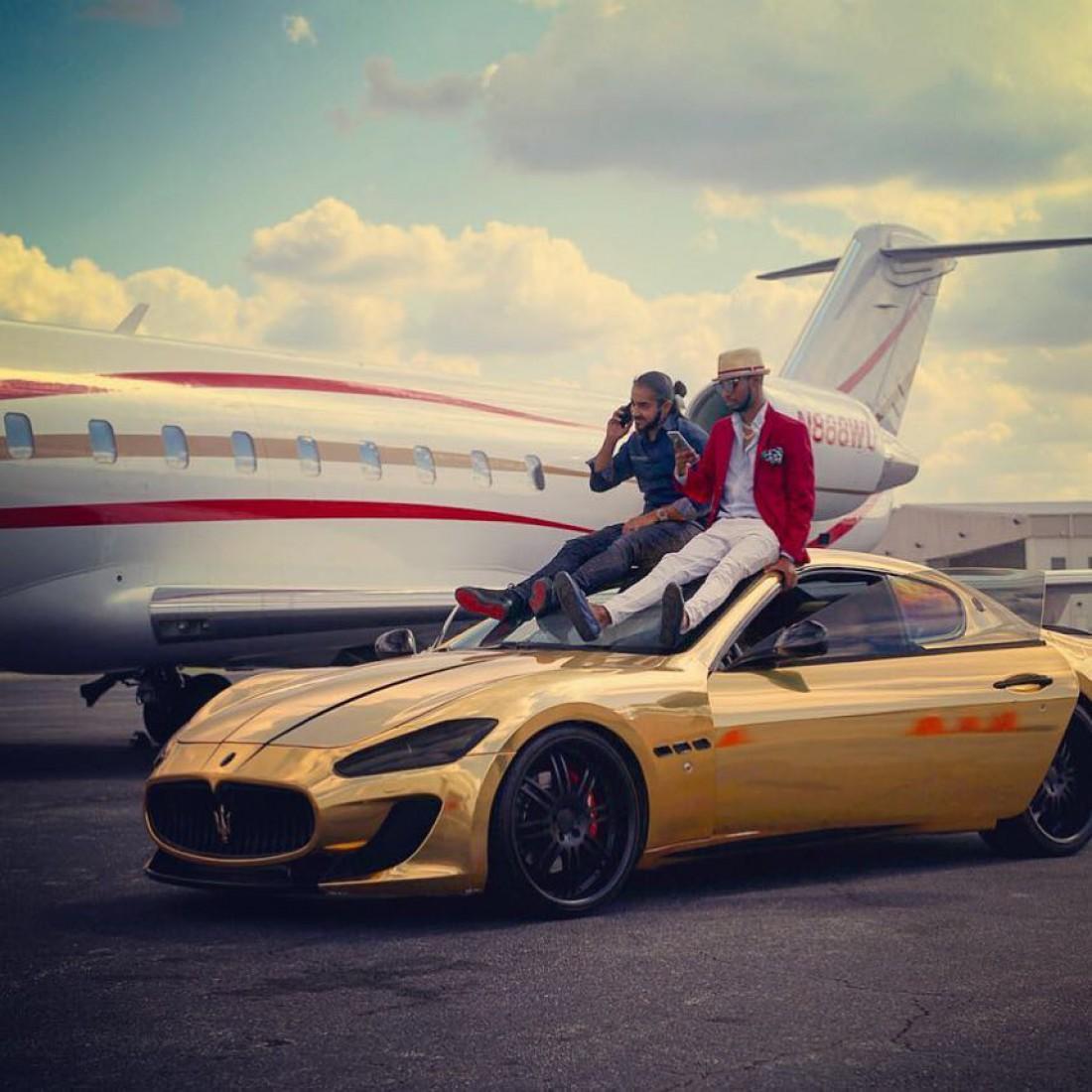 Как произвести впечатление богатого человека с помощью фото