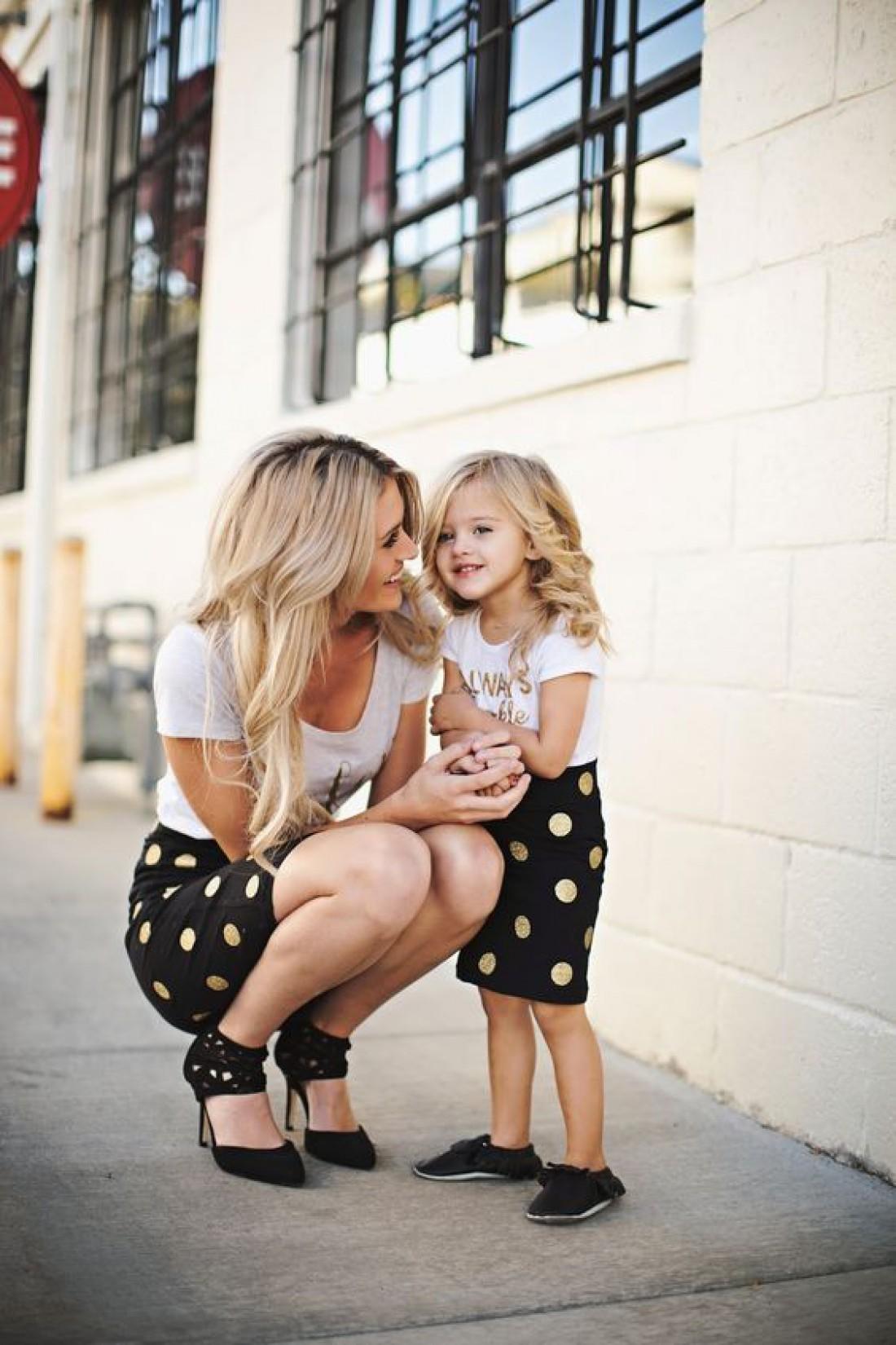 Модный вариант игры в дочки-матери