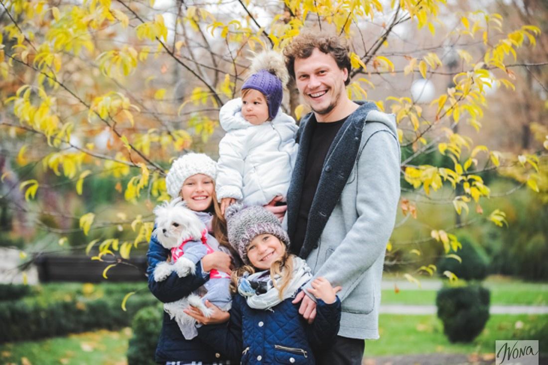 Андрей Пятов с дочками