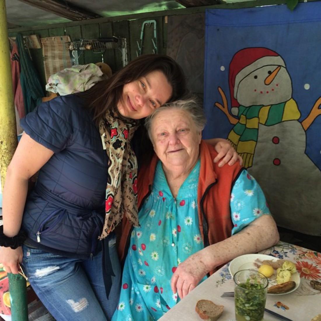 Наташа Королева с бабушкой Соней