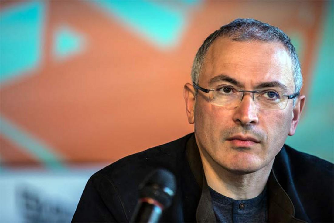 Михаил Ходорковский. Российский предприниматель, общественный деятель, публицист.  В 1997—2004 гг. был совладельцем и главой нефтяной компании ЮКОС