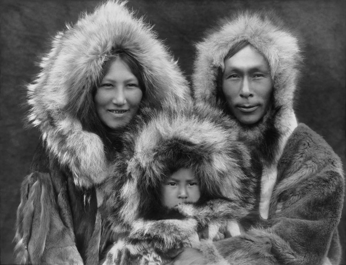 Инуиты нашли спасение от холода в изобретении парки