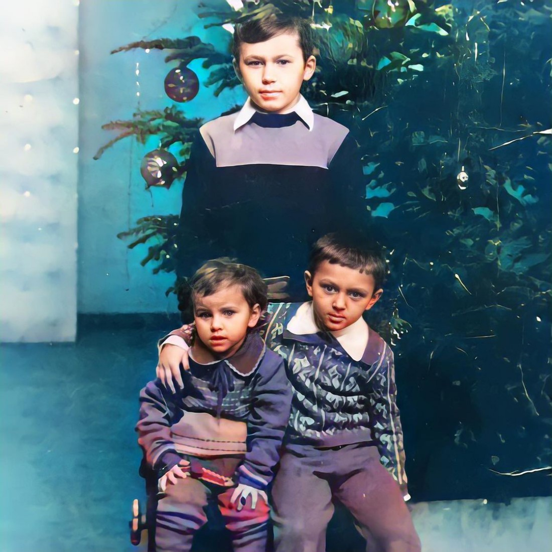 Ани Лорак поделилась редким фото с братьями