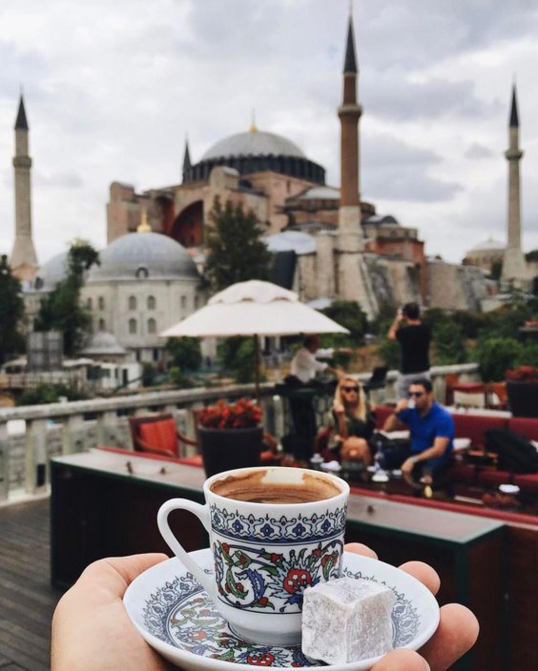 Этикет путешественника: Как правильно оставлять на чай