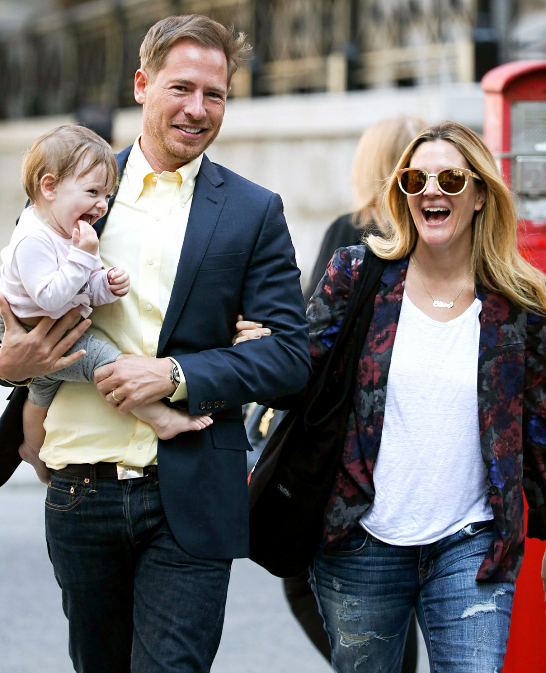 Дрю с мужем Уиллом и старшей дочкой Олив