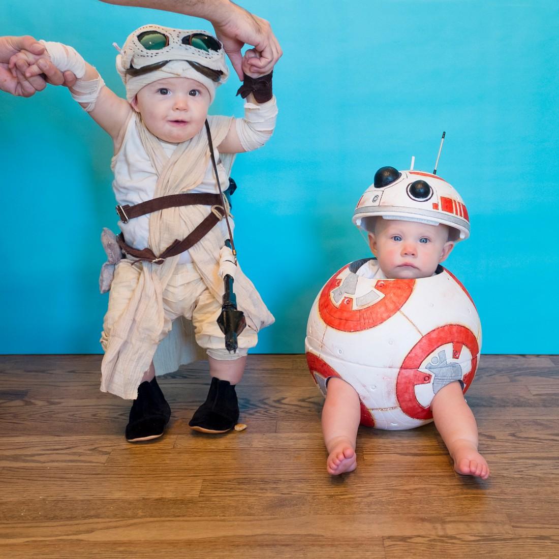 Американка создает для своих дочек невероятные костюмы