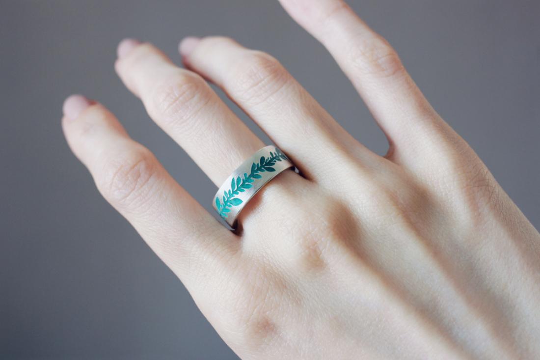 Кольцо с растительным узором