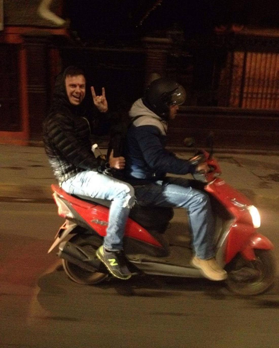 Дмитрий Комаров пережил землетрясение в Непале