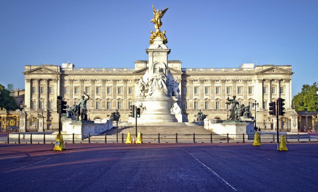 Экскурсия по Букингемскому дворцу доступна в режиме онлайн