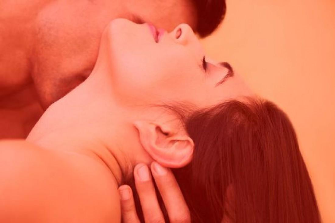 Секс во время месячных: ТОП-8 полезных советов