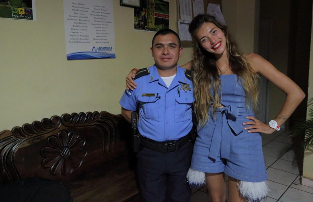 Регина Тодоренко в полицейском участке