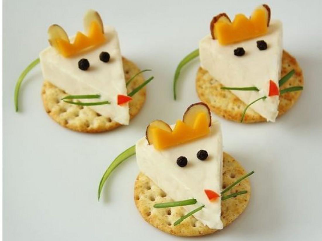 Новогодние украшения: 5 очаровательных мышек для салатов и закусок (фото)