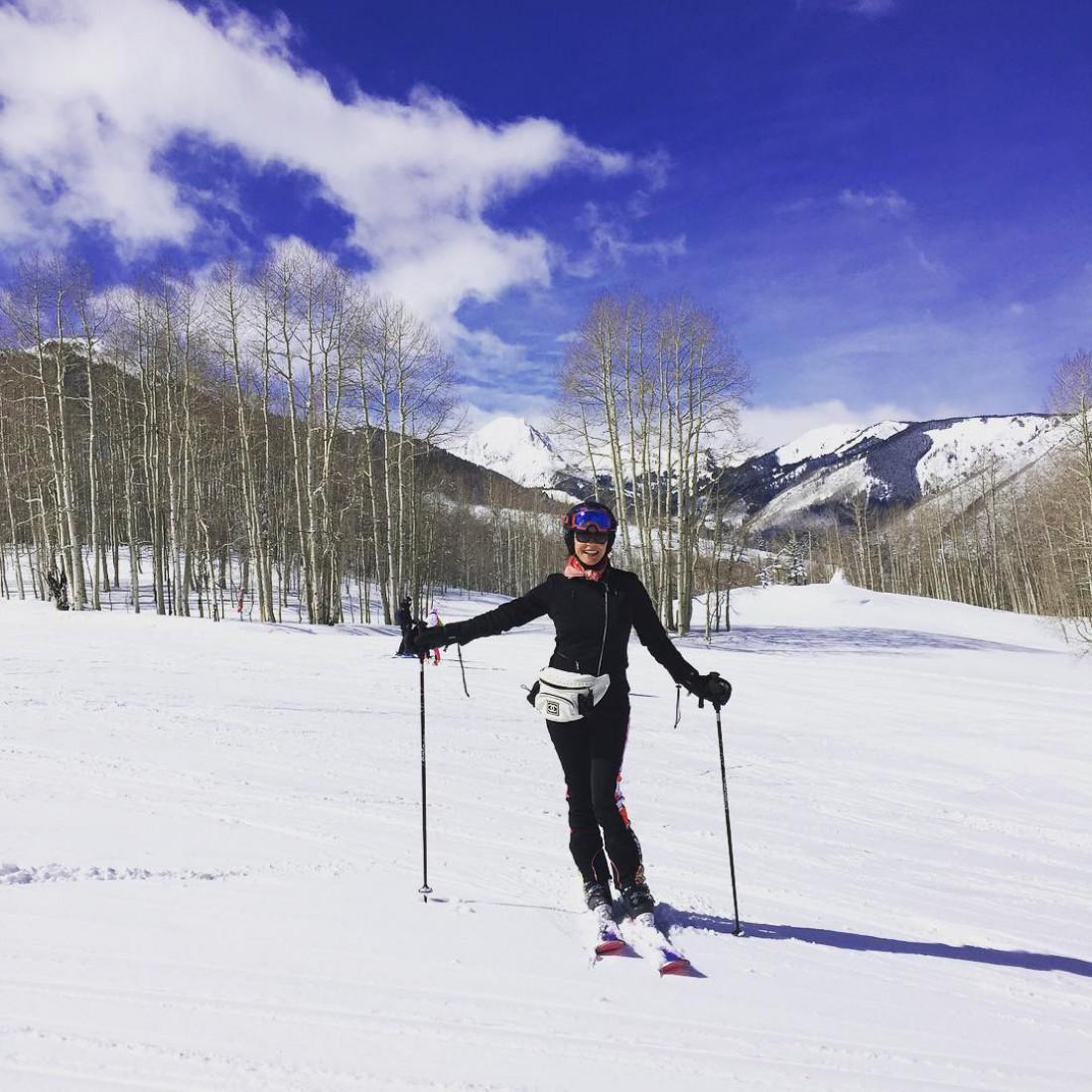 Кэтрин Зета-Джонс на лыжах в Аспене