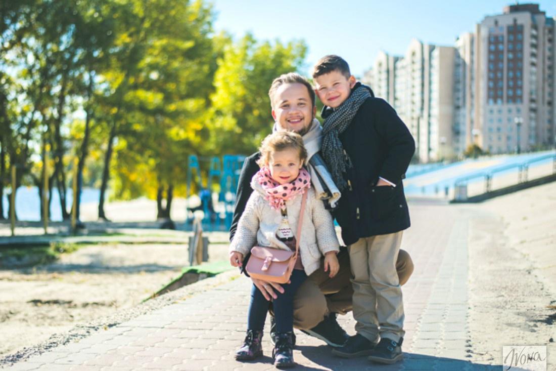 Артем с детьми