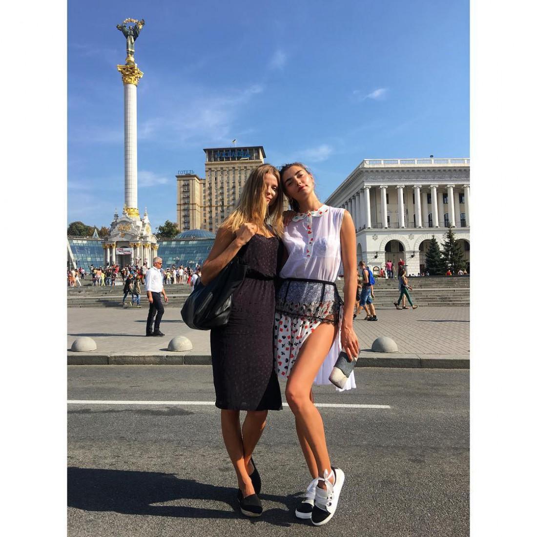 Польская топ-модель Магдалена Фраковяк и Алина Байкова