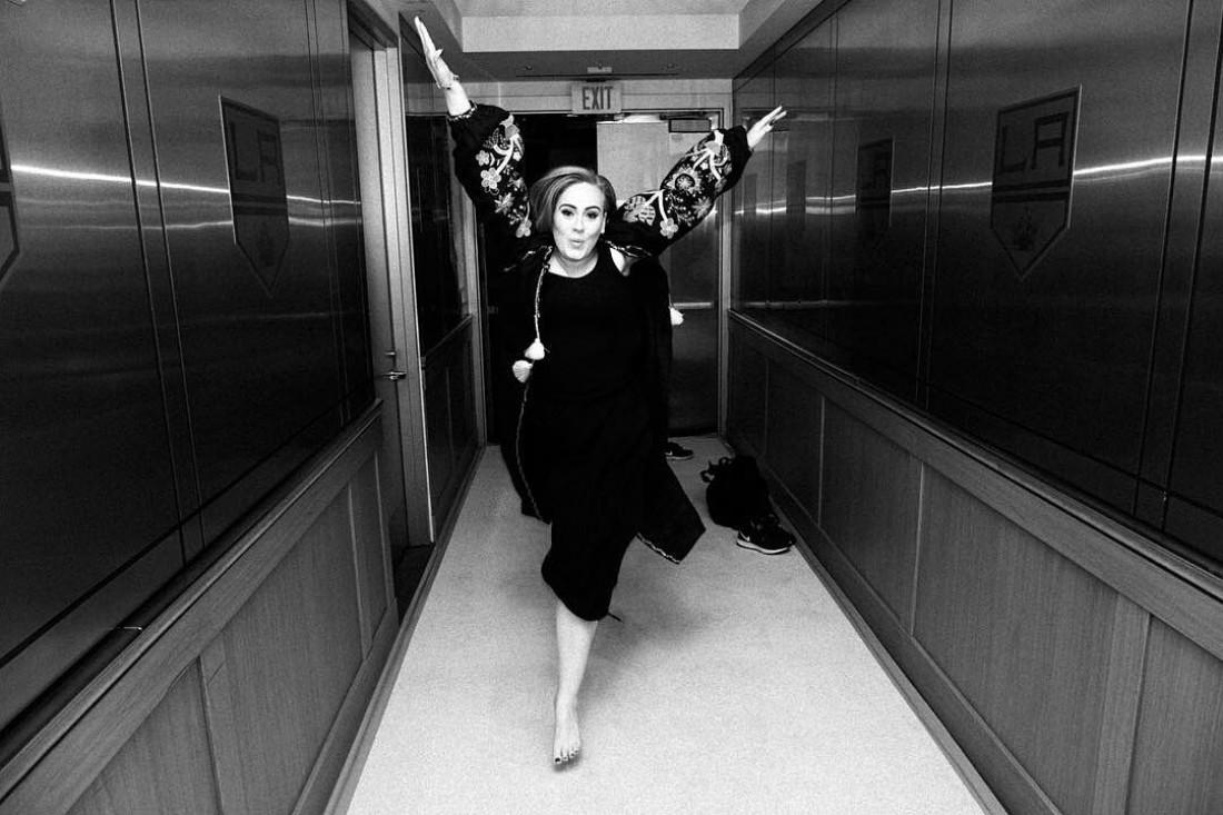 Певица Адель в вышитом платье от украинского бренда