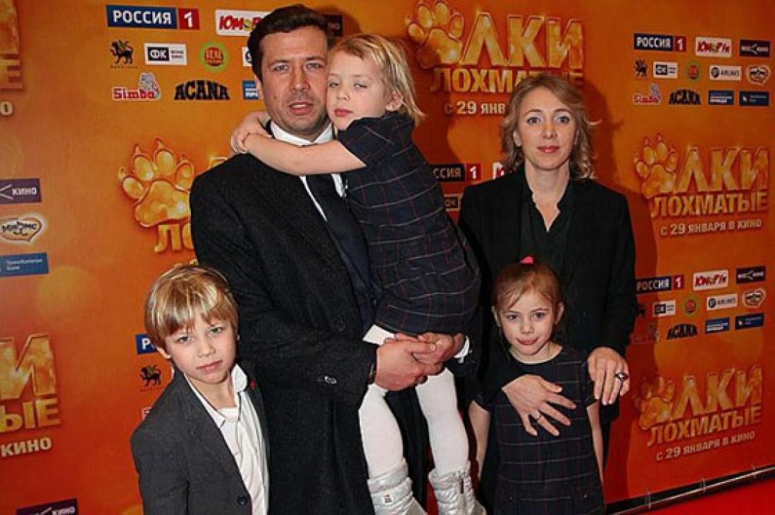 мерзликин андрей фото с семьей