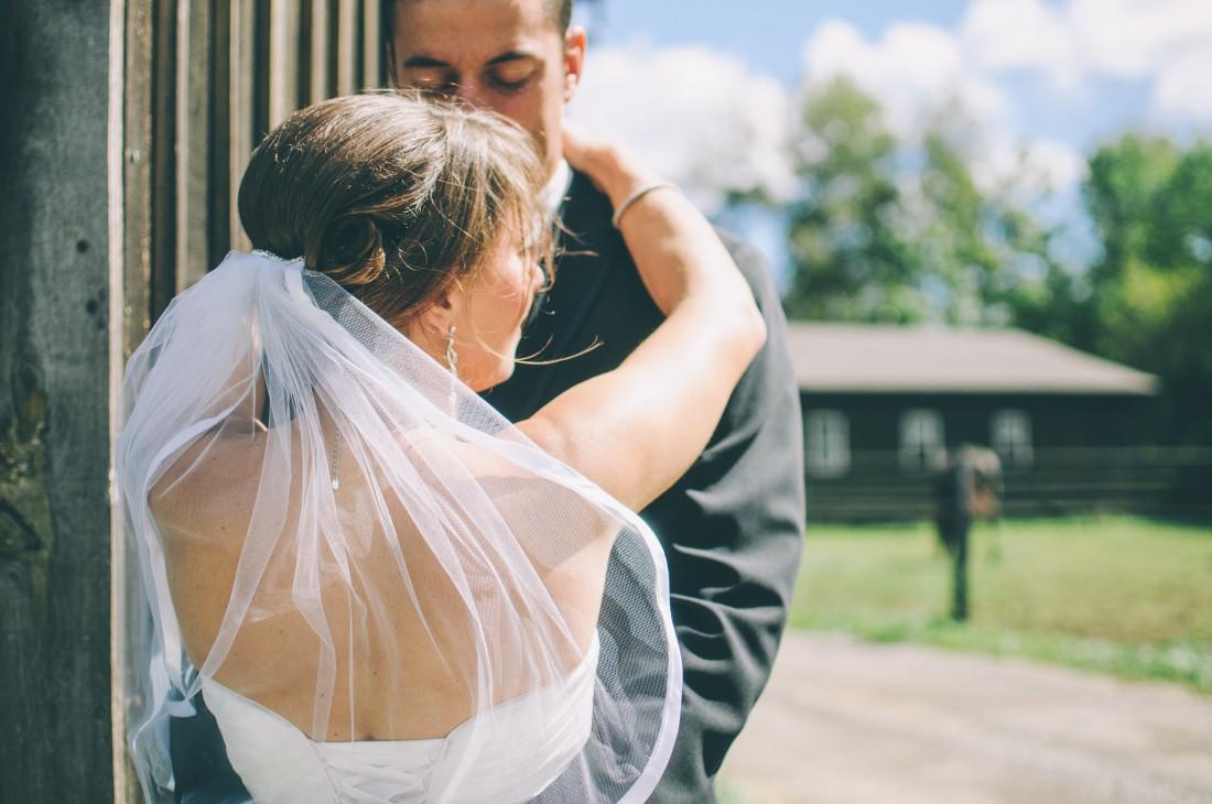 Зачем женщины выходят замуж
