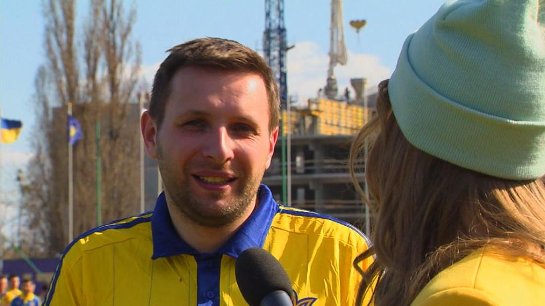 Парасюк дает интервью Кати Осадчей
