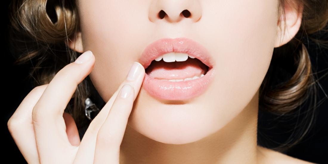 Скрабы для губ, приготовленные дома, оказывают на кожу только щадящее действие
