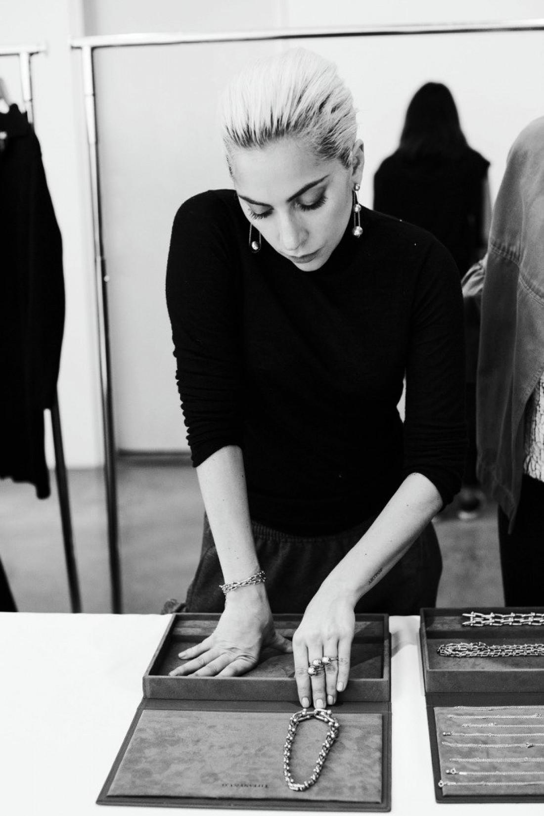 Lady Gaga украсила кампейн Tiffany & Co.