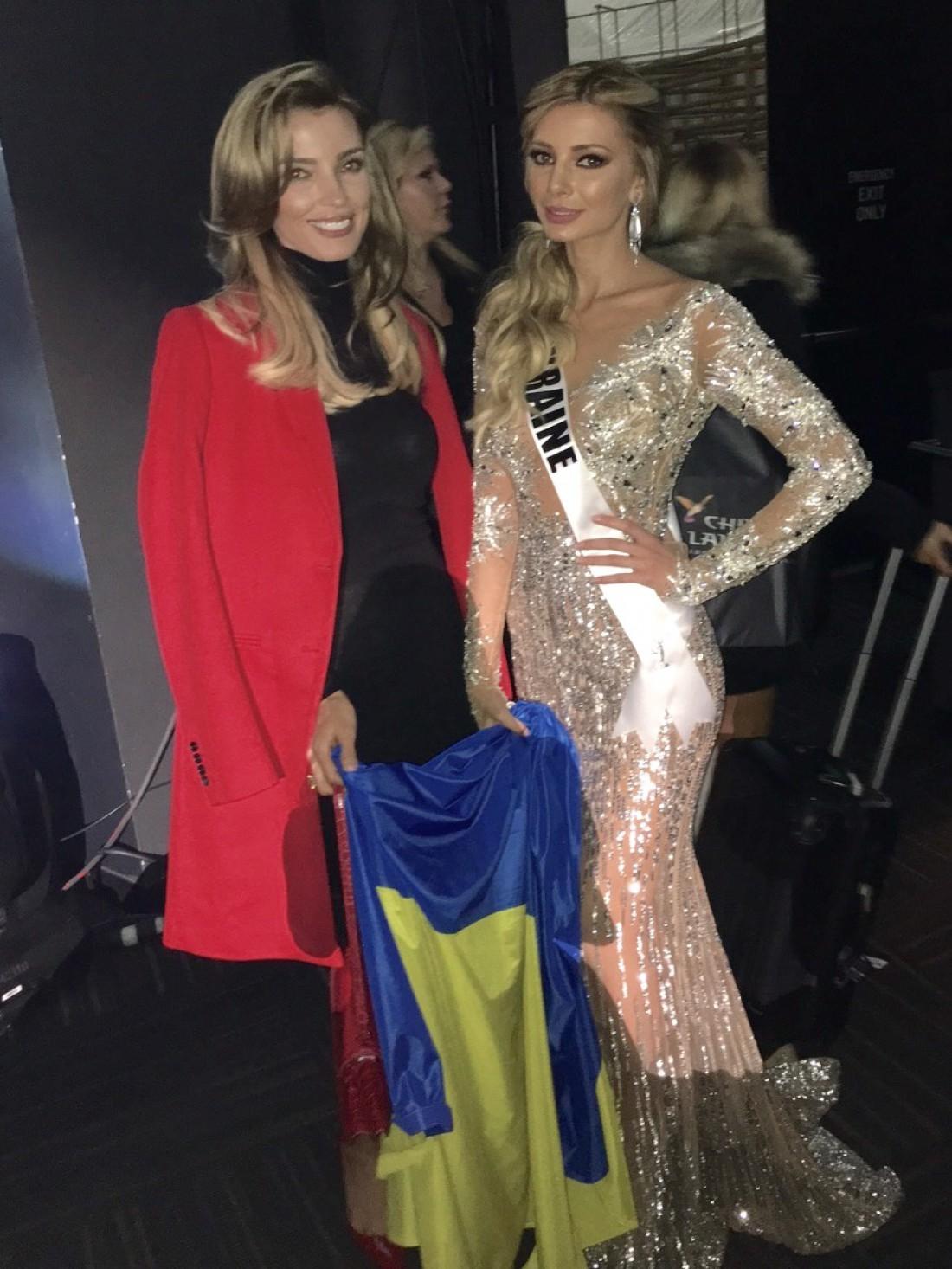 Поддержать Анну приехала владелица конкурса Мисс Украина Вселенная Александра Раффин с супругом