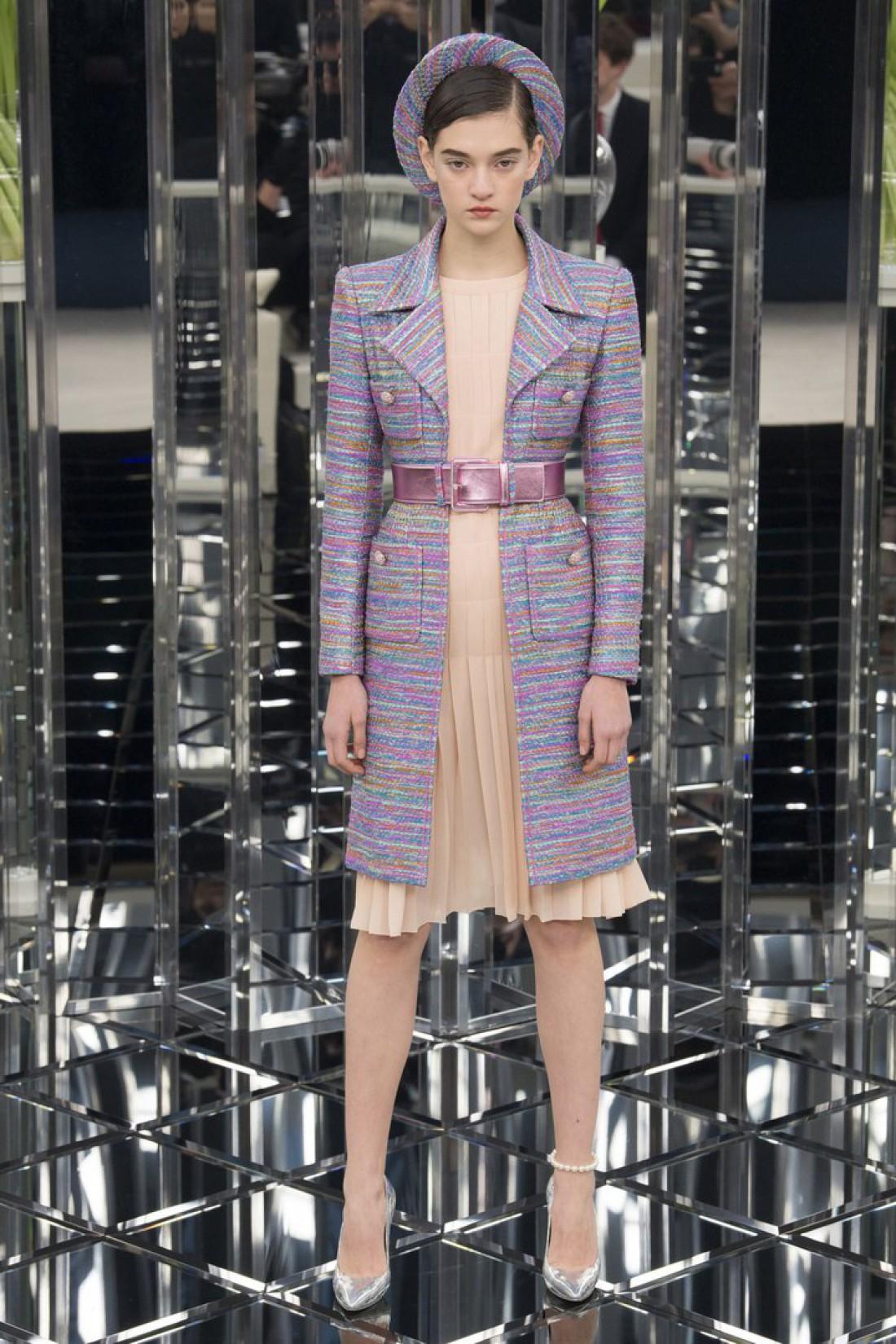 Украинская модель Юлия Ратнер на показе Chanel