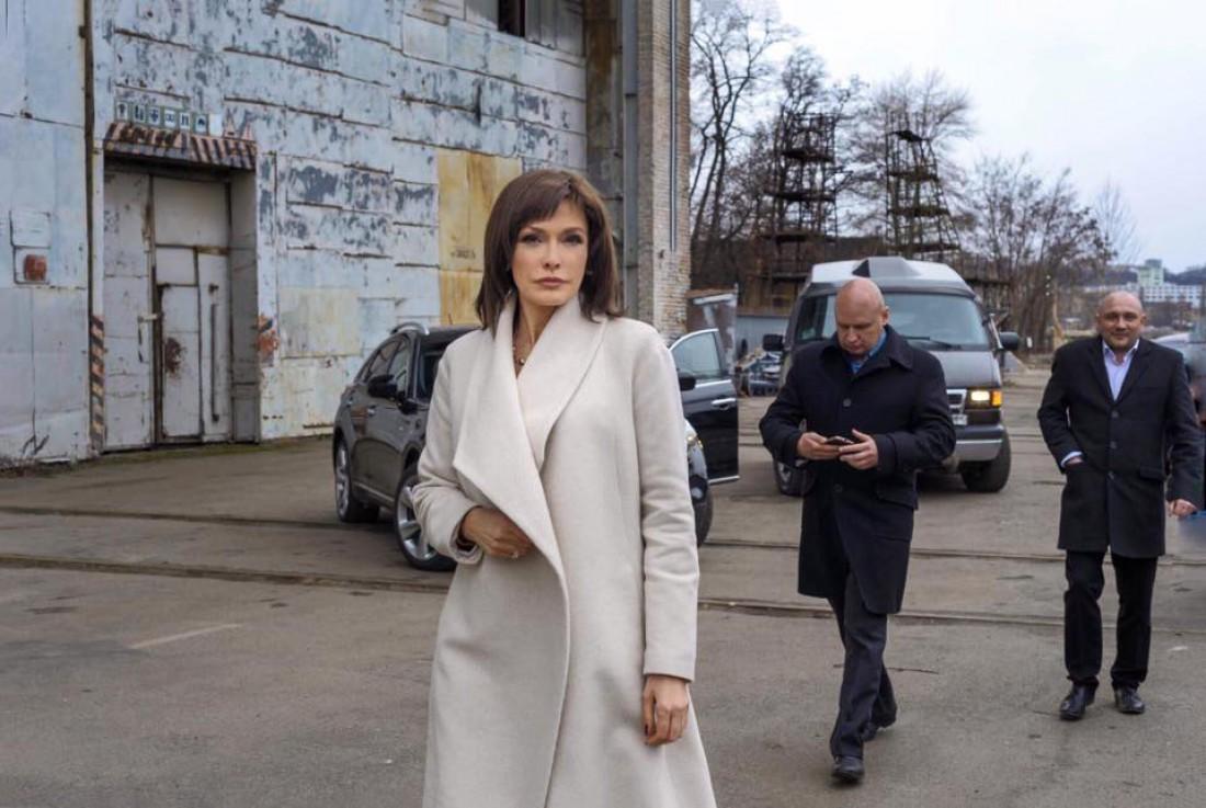 Ольга Сумская на съемках сериала Искушение