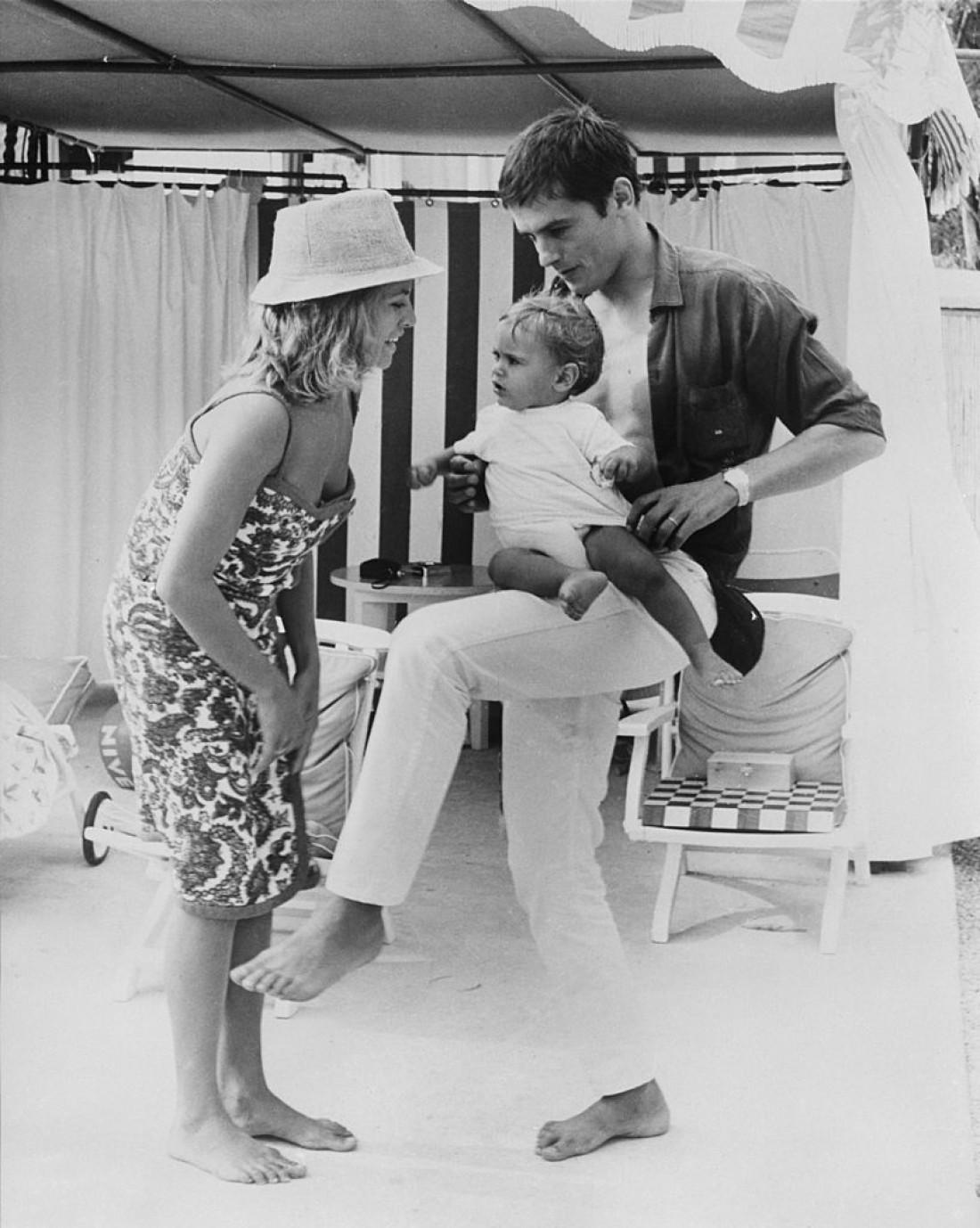 Ален Делон, Натали Делон и их сын Энтони в 1965 году
