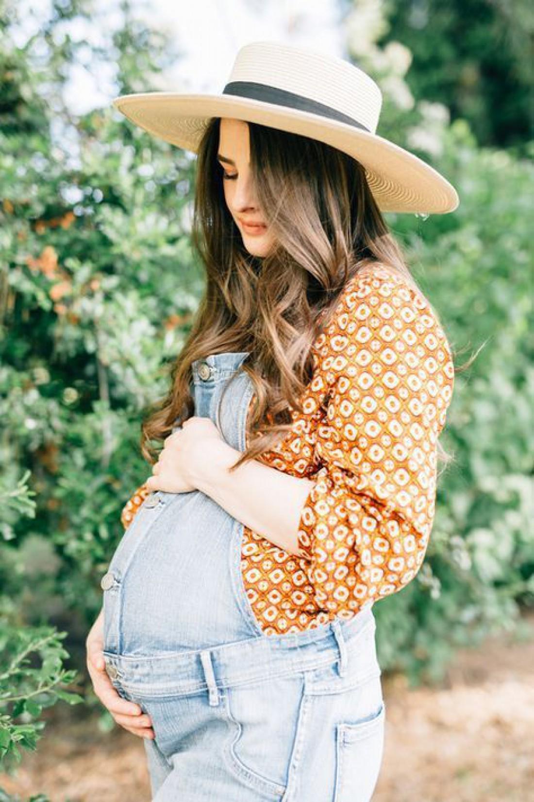 Казнить нельзя помиловать? Все о покраске волос во время беременности