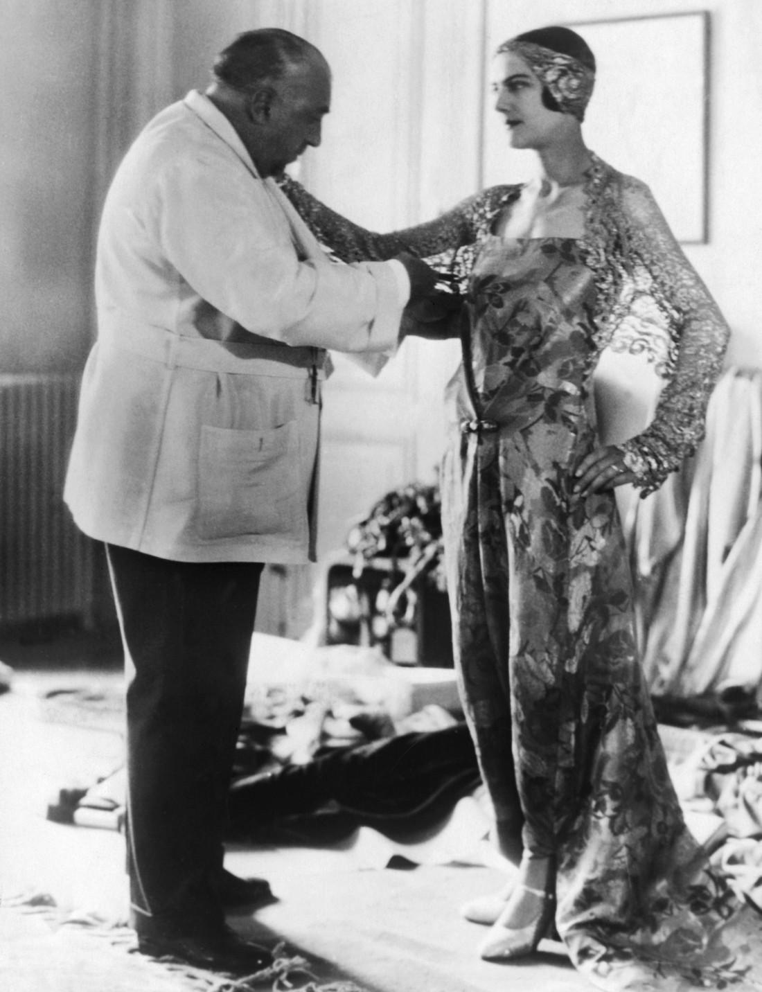 Поль Пуаро подгоняет платье-брюки